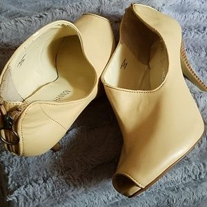 Sexy and stylish Ladies heels